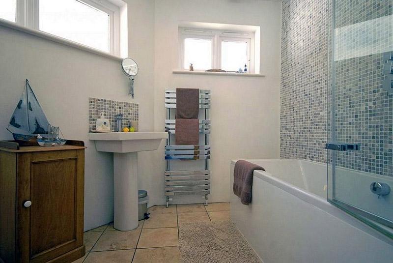 Ty Draw bathroom
