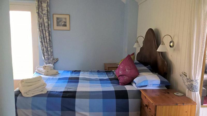 Y Bont ensuite bedroom