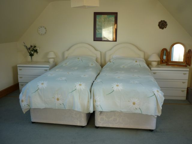 Y Bwthyn Bedroom 2