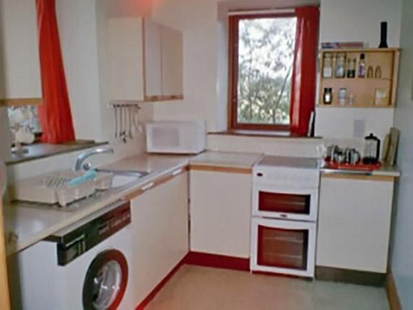 Y Bwthyn kitchen