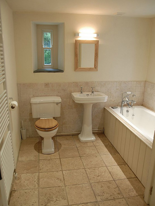 Carngowil Bathroom
