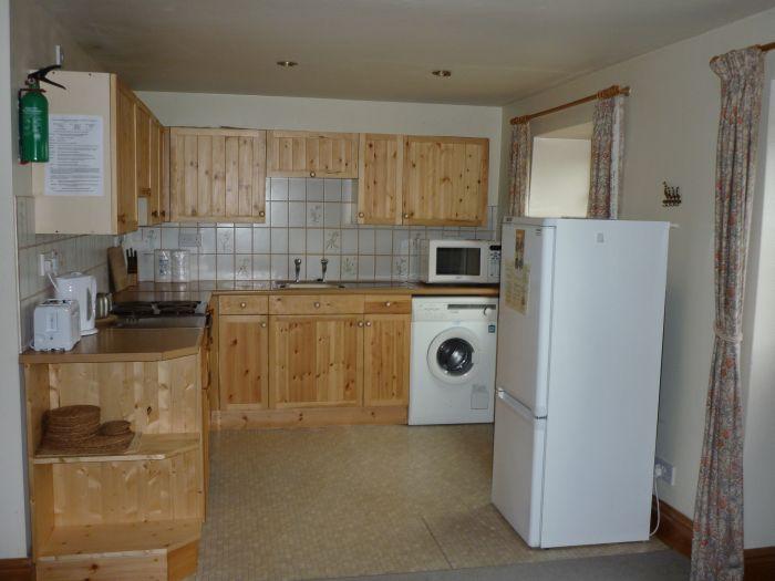Cnwc-y-Bran kitchen-1
