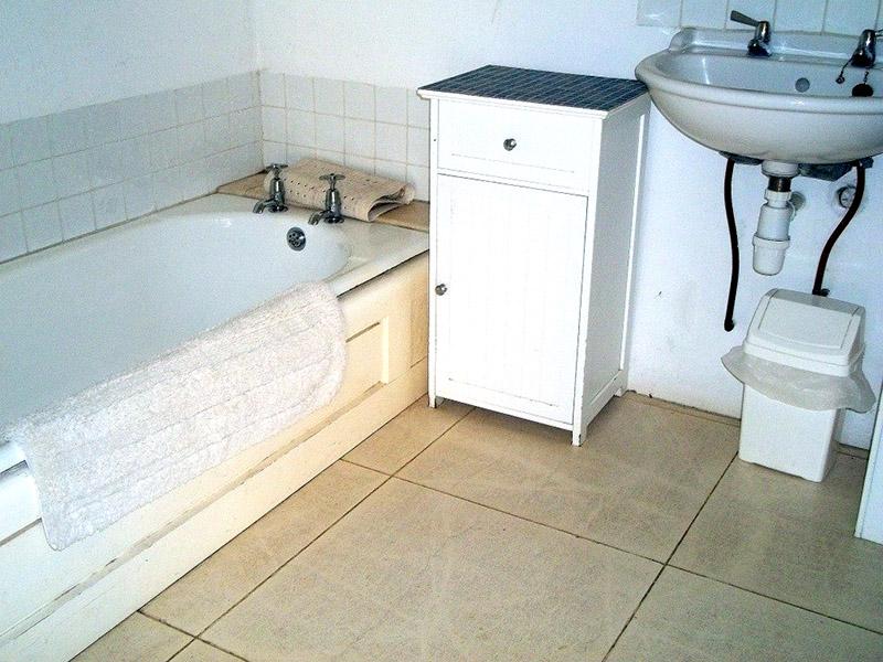 Garn Barcud bathroom