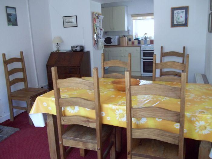 Llanffynnon dining room