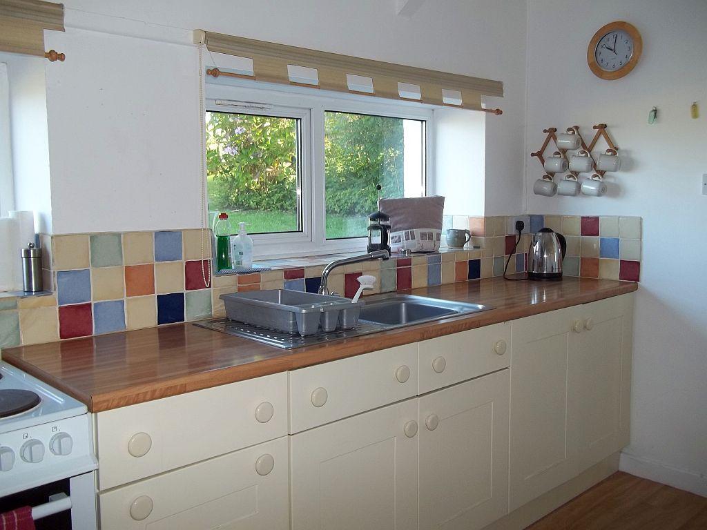 Llanffynnon kitchen1