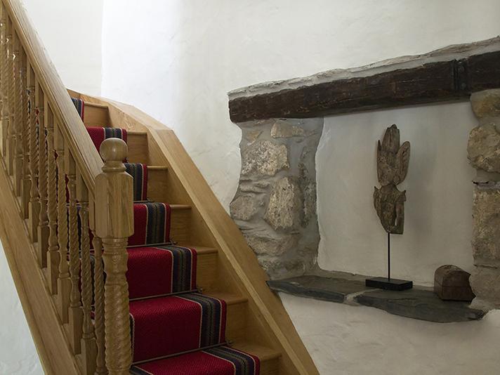 Ty Yn Hapus stairs